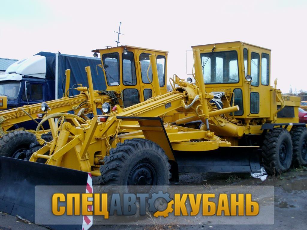 Автогрейдер Брянский арсенал ДЗ-122
